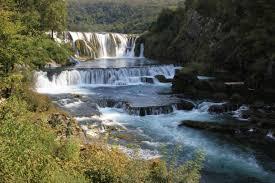 Strbacki Buk ligt aan de Kroatische grens